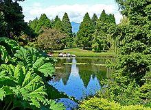220px-VanDusen_Botanical_Garden_1